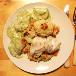 Möhren-Hirsotto mit gebratenem Blumenkohl und Kabeljau